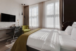 HolidayInn-Double room-1